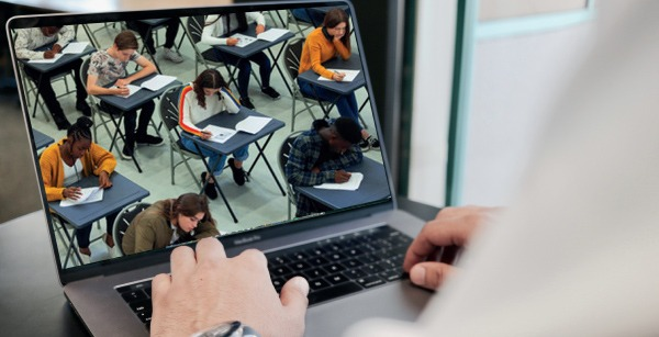 بررسی تخصصی آزمون TOEFL