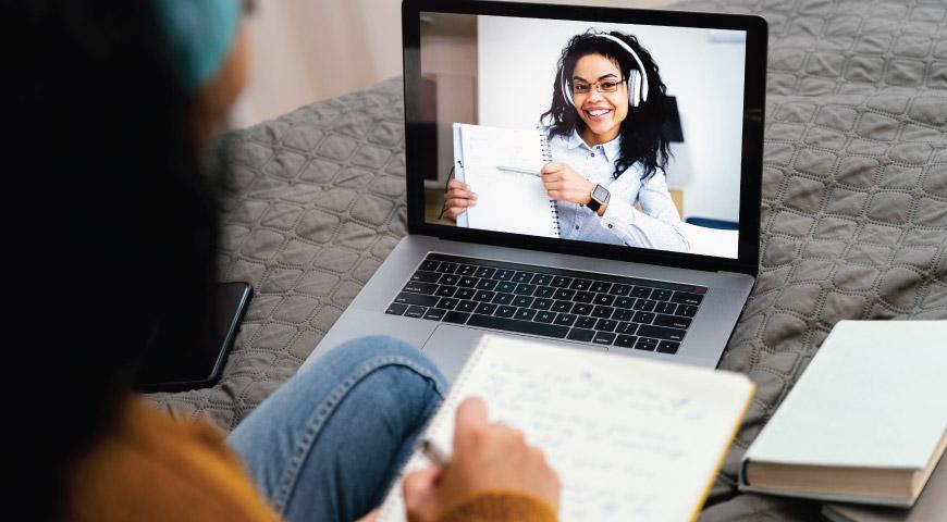 تاثیر آموزش آنلاین بر کاهش قیمت دوره های آموزشی