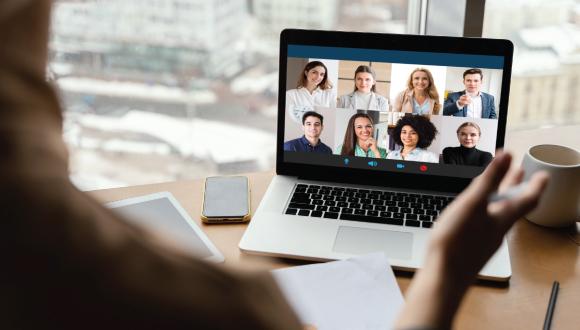 تفاوت وبینار و کلاس آنلاین