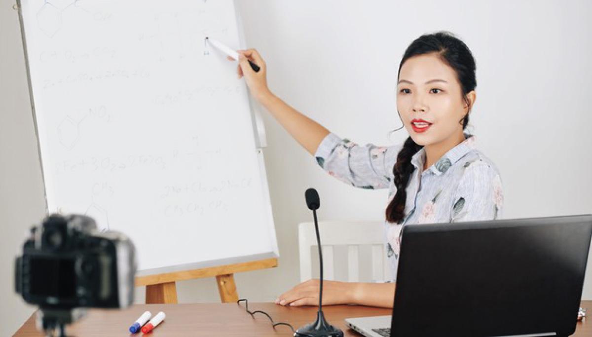 آموزش آنلاین واقعی